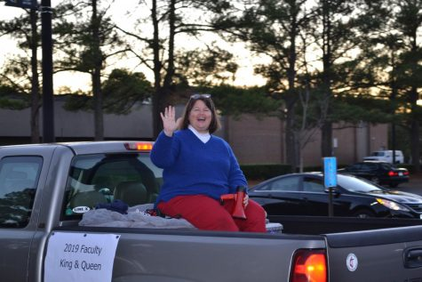 #NewEra: Kempsville's School Spirit Parade After Football Win
