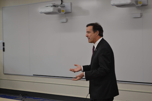 Ben Loyola speaking to students about his congressional campaign